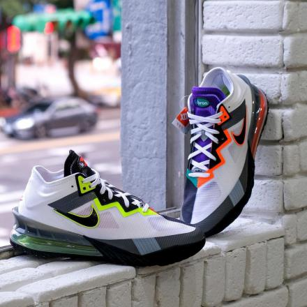 NIKE LEBRON 18 LOW AIR MAX GREEDY 01
