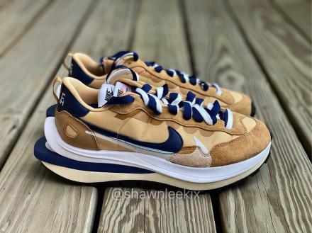 Sacai Nike VaporWaffle Sesame Blue Void White 1
