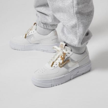 NIKE WMNS AIR FORCE 1 PIXEL DC1160 100 2