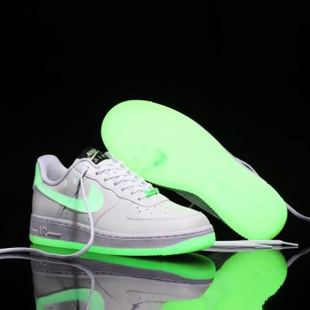 NIKE AIR FORCE 1 07 LOW GROW IN THE DARK CT3228 100 1