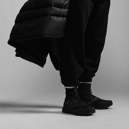 """【国内3月19日発売予定】ファレル・ウィリアムス × アディダス """"ブラック パック"""" 全5型"""