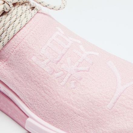 【国内3月27日発売予定】ファレル・ウィリアムス × アディダス オリジナルス HU NMD ピンク/ピンク/コア ブラック(GY0088)