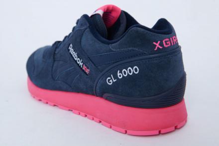 【国内8月24日発売予定】 エックスガール × リーボック クラシック GL6000 ネイビー/ピンク
