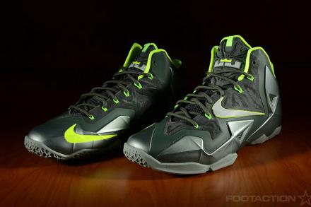 NIKE LEBRON 11 MICA GREEN SEA SPRAY DARK MICA GREEN VOLT