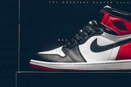 NIKE AIR JORDAN 1 RETRO BLACK TOE 4