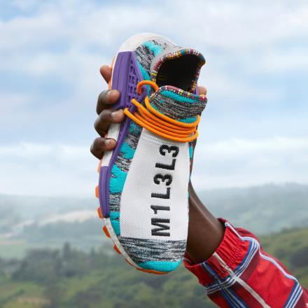 【国内8月18日発売予定】 ファレル・ウィリアムス × アディダス オリジナルス ソーラー HU NMD 全3色