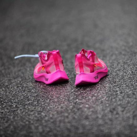 【国内12月12日抽選締め切り】オフホワイト × ナイキ ズーム フライ SP チューリップ ピンク/レーサー ピンク (AJ4588-600)