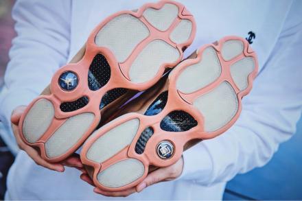 【国内12月22日発売予定】クロット × ナイキ エア ジョーダン 13 ロー セピア/ストーン/キャンティーン-テラ ブラッシュ(AT3102-200)