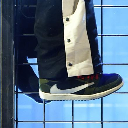 """【発売日未定】トラヴィス ・スコット × ナイキ エアジョーダン 1 ロー """"カクタス ジャック"""""""