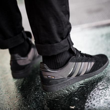 【国内4月18日発売予定】アディダス スケートボーディング ブセニッツ コア ブラック/コア ブラック/コア ブラック(DB3125)
